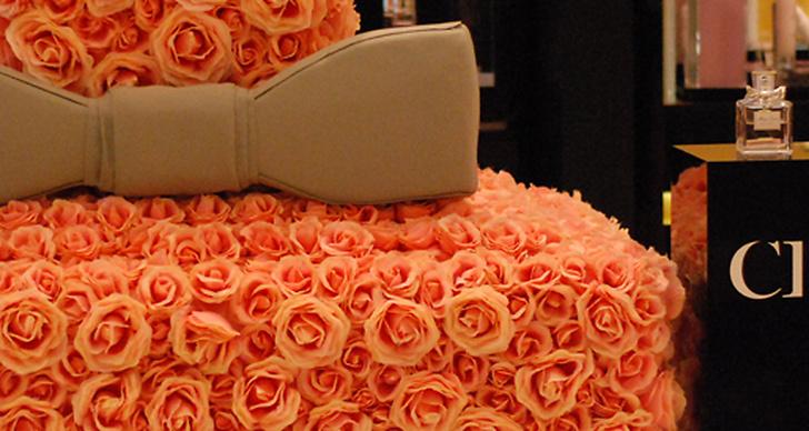 Dior levererar megaparfym klädd i blommor.