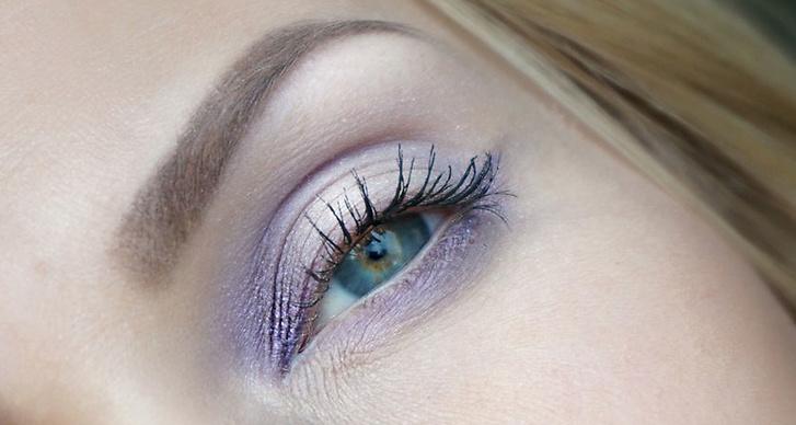 2. Purple haze: Den ljuvliga ljuslila lavendel nyansen har slagit sig in på marknaden. Färgen väcker liv och får makeupen att lyfta lite extra. Om du har gröna/blåögon blir det en riktigt cool effekt då färgerna verkligen är varandras motsatsfärger.