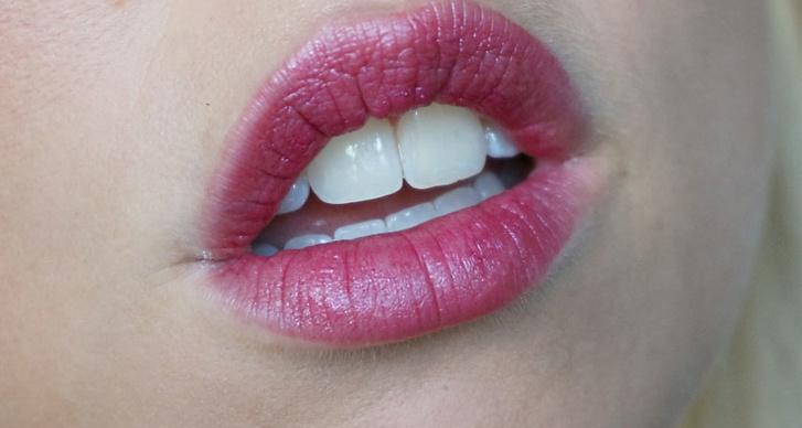 3. Flaming Lips: Läpparna går i djupa bärfärger i vår och läppstiften lämnas diffusa i kanterna för en omålad effekt. Skippa helt enkelt läppennan om du vill hålla dig till trenden. Flirtiga läppar ska det vara!
