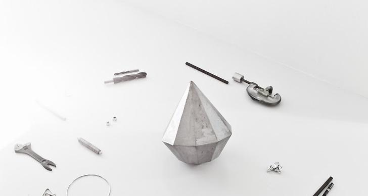 Den handsmidda diamanten finns bland annat att köpa i Annalenas webshop och i Lotta Agatons nyöppnade popup-webshop.