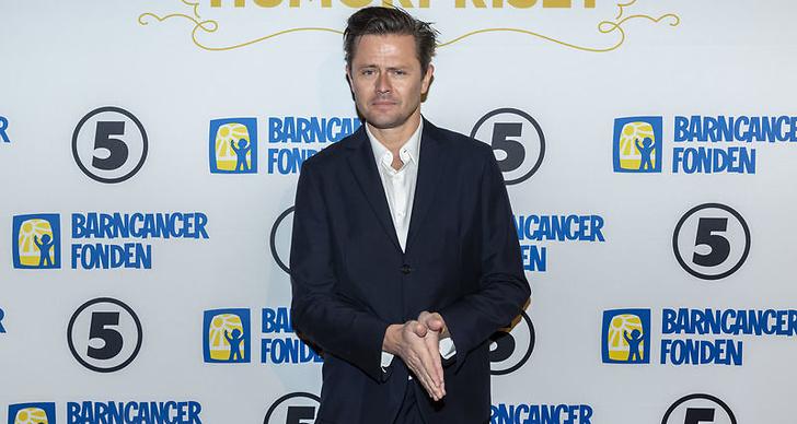 Fredrik Wikingsson på Barncancergalan 2018 röda matta.