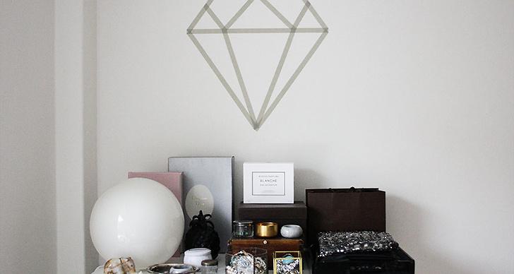 Kajsa har gjort en DIY-diamant med hjälp av tejp. Billigt och enkelt att göra!