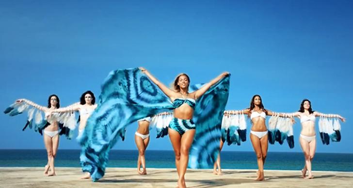 """I reklamfilmen framförs låten """"Standing On The Sun"""", vilken har världspremiär i samband med detta."""