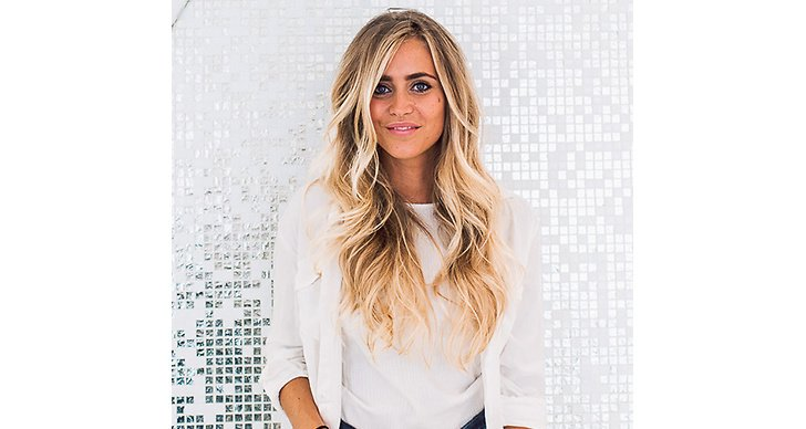 Ögonbrynen ramar in ansiktet och precis som med ögonfransarna, tenderar blondiner att ha ljusa bryn som i många fall knappt syns. Färga brynen på salong eller hemma och satsa på en nyans mörkare än din naturliga ton för eyebrow game strong!