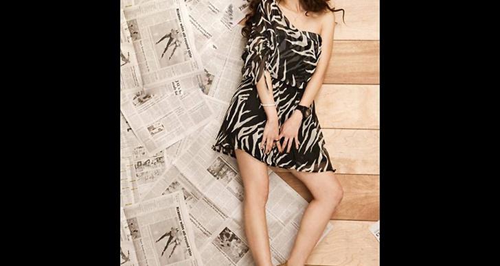 Zebramönstrad klänning, 329 kronor.