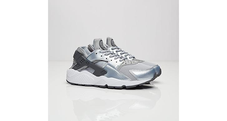 Dessa coola skor från <a href='http://www.sneakersnstuff.com/sv/product/25004/nike-wmns-air-huarache-run'>Nike</a> skulle man gärna lägga vantarna på, 1199 kronor.