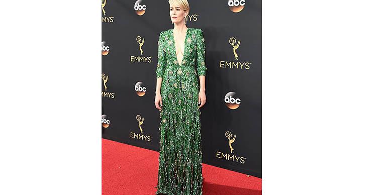 Sarah Paulsons gröna klänning var verkligen en dröm!