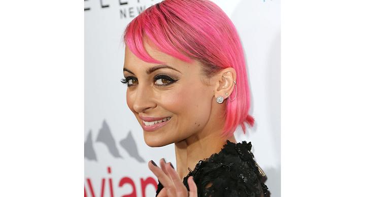 Nicole Richie har färgat håret illrosa!