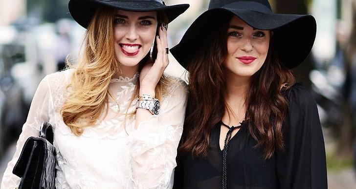 Här står Chiara tillsammans med Modettes moderedaktör Therese Kjellsson.