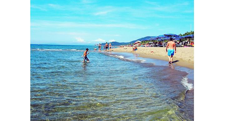 """""""Nyår kommer jag spendera med mamma och pappa på en strand i Västindien! Hur härligt?"""""""