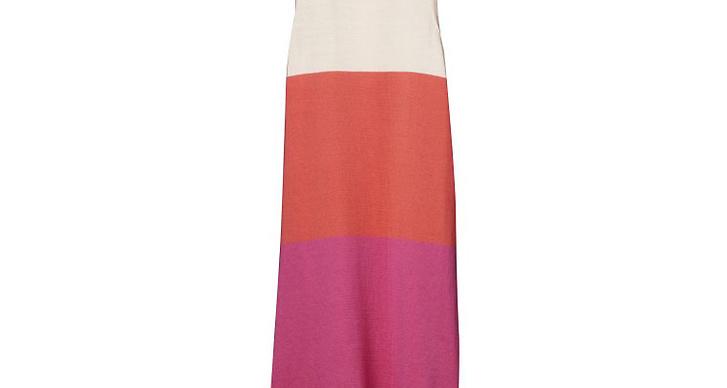 flerfärgad klänning.
