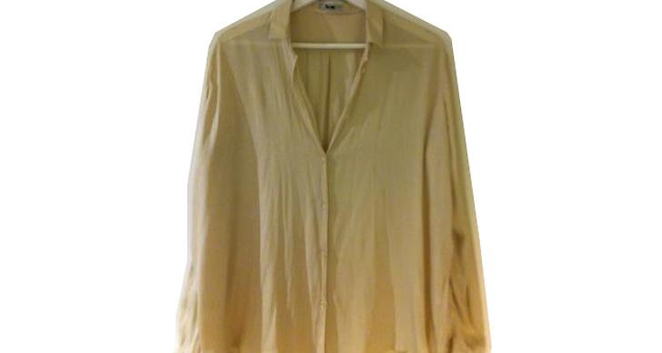 Skjorta från Acne. Ledande bud 300 kr.