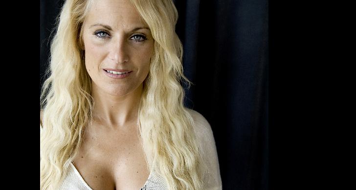 På lördag gifter sig Laila Bagge med Niclas Wahlgren.